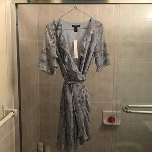 NWT Floral wrap dress